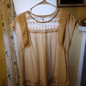NWT Studio JPR Cream and Sheer Lace Top Size S